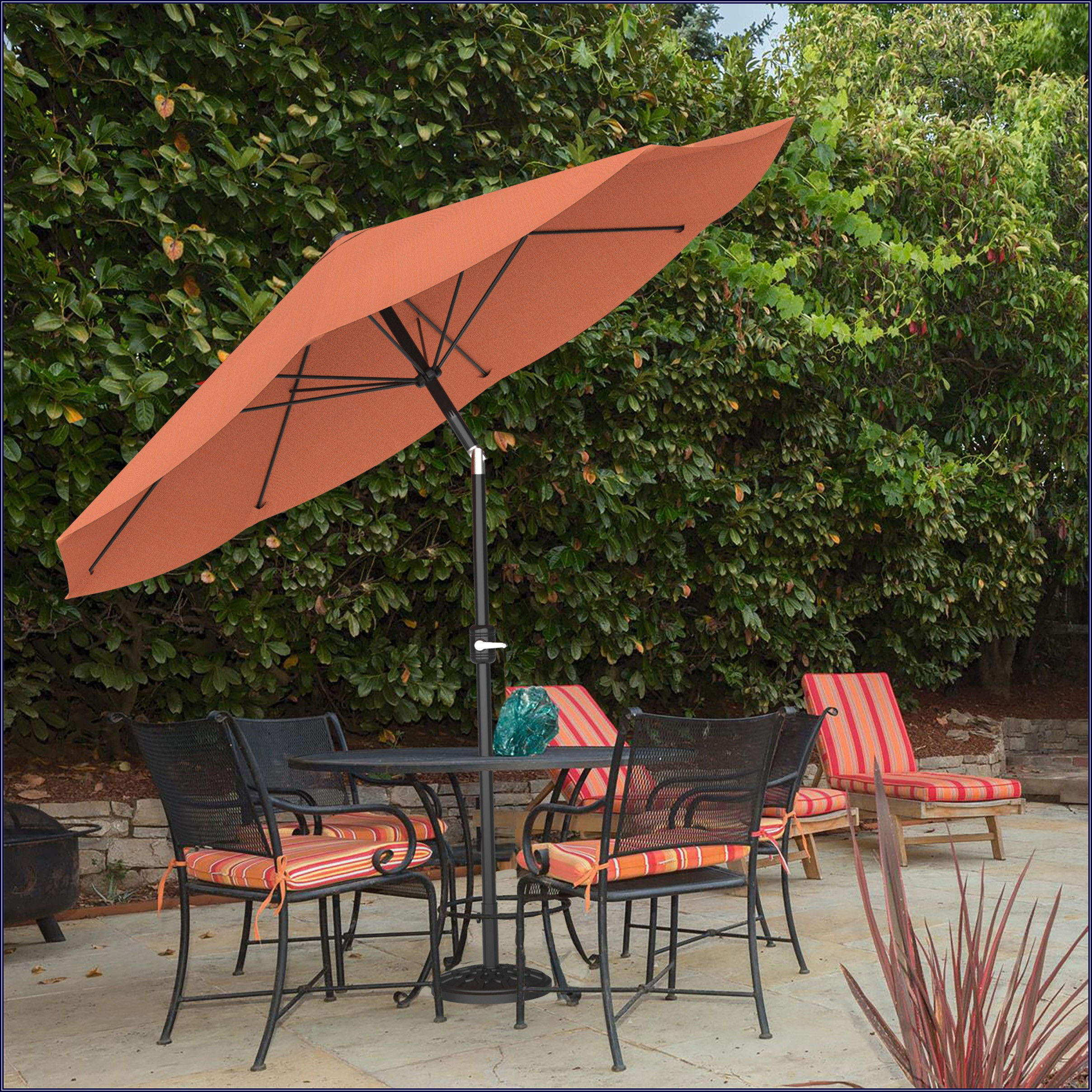 Hunter Green And White Striped Patio Umbrella