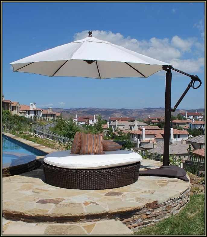 Large Retractable Patio Umbrellas