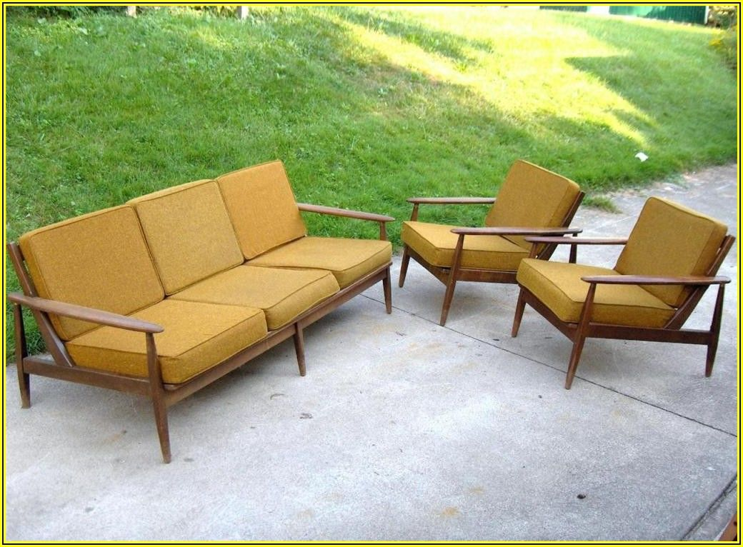 Mid Century Modern Patio Set