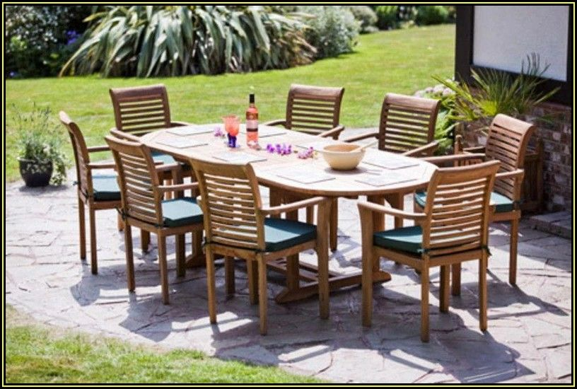Outdoor Patio Table And 8 Chairs