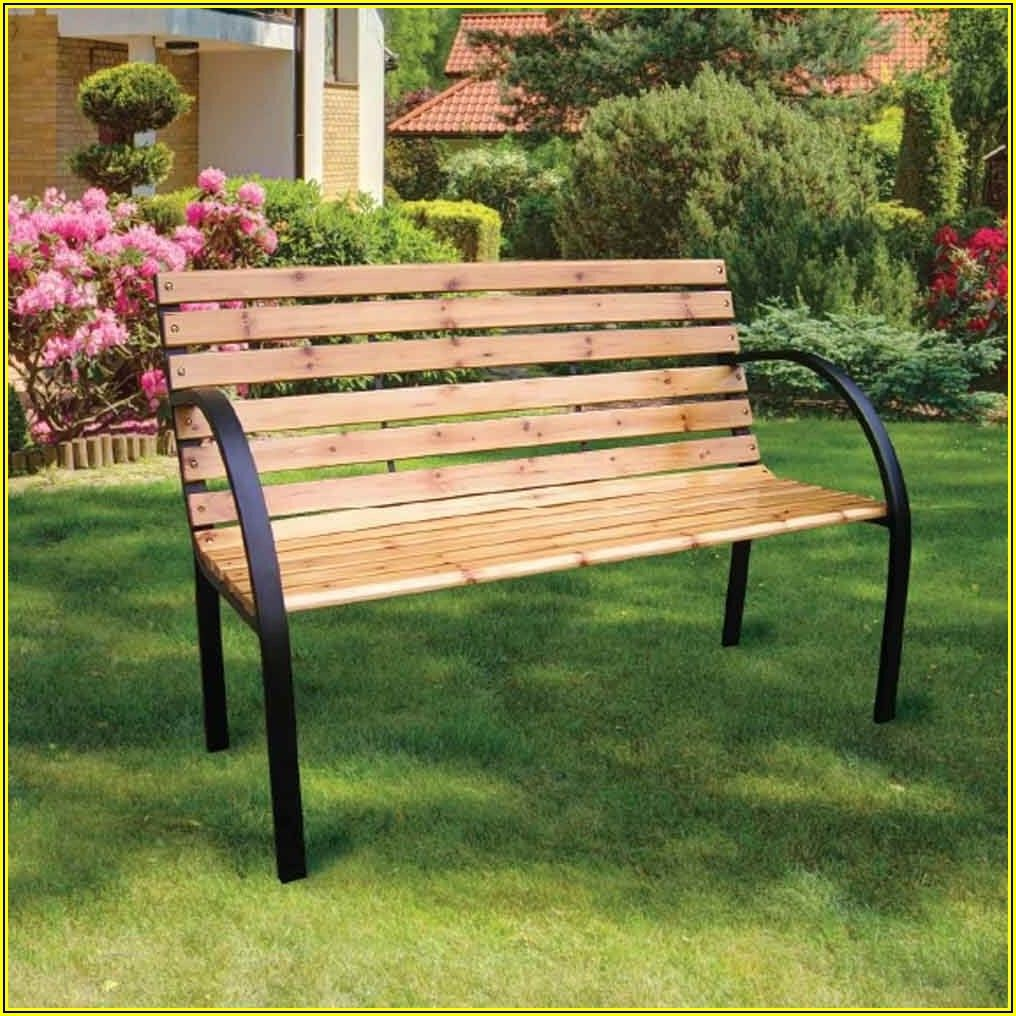 Outdoor Patio Table And Benches