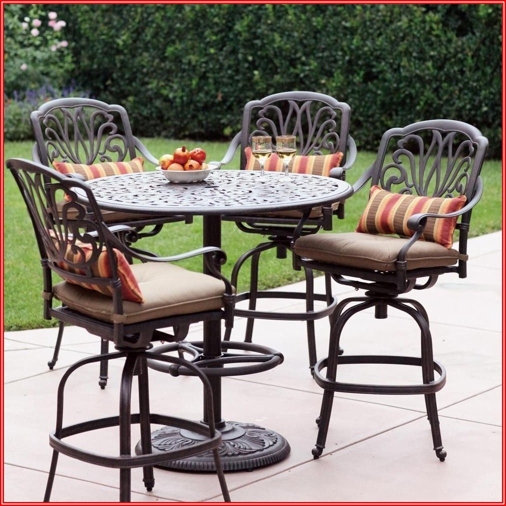 Outdoor Patio Table And Swivel Chairs