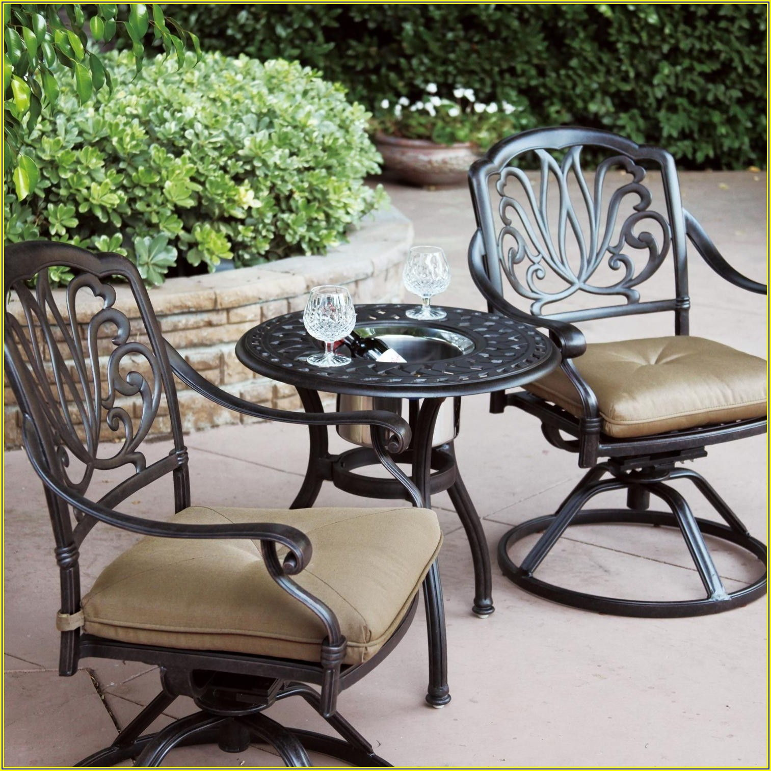 Patio Table With Swivel Chairs
