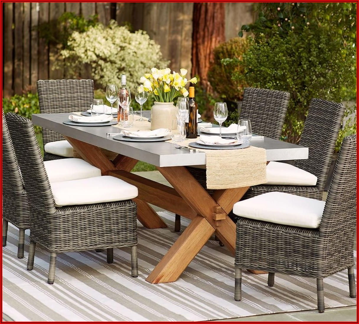 Pottery Barn Patio Dining Table