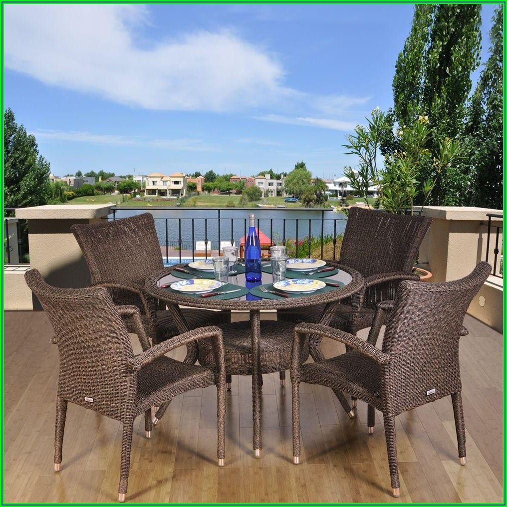 Round Outdoor Wicker Patio Furniture