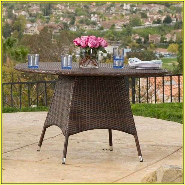 Round Wicker Patio Dining Table