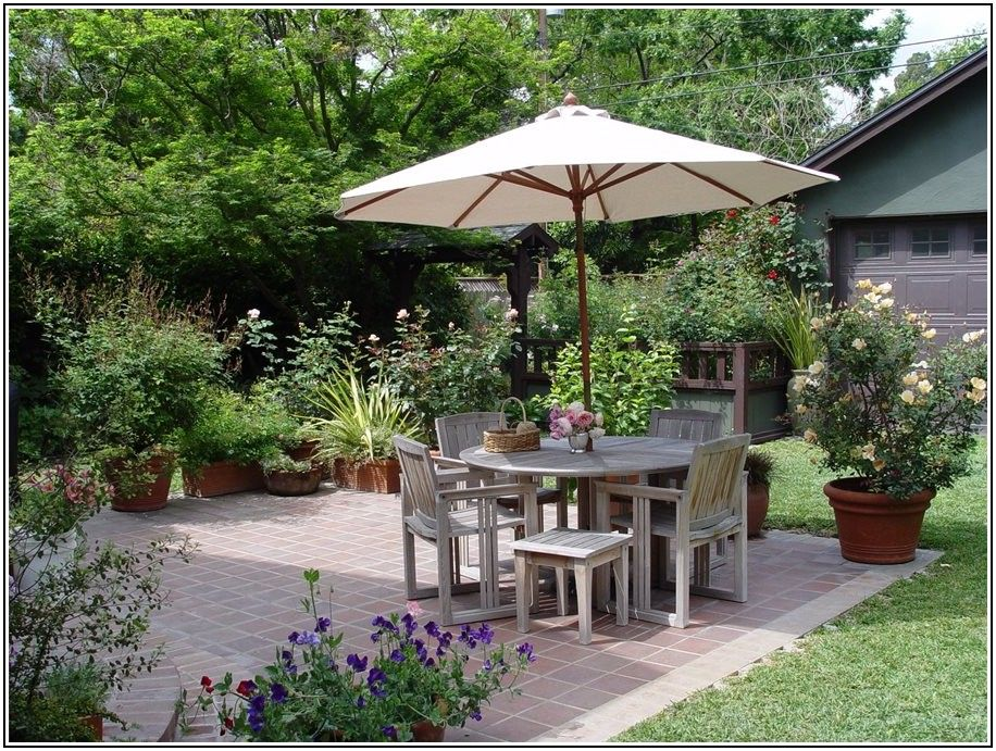 Simple Small Backyard Patio Ideas