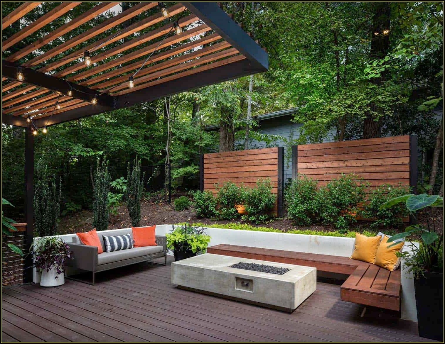 Small Backyard Patio Ideas With Fire Pit