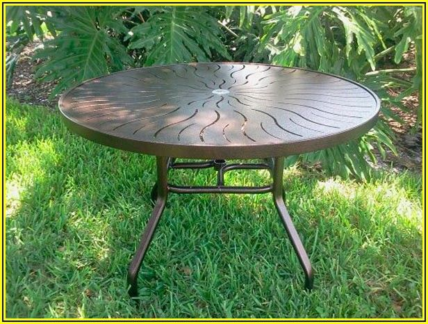 48 Round Glass Top Patio Table