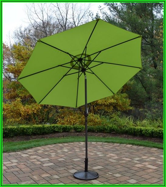 9 Ft Crank And Tilt Patio Umbrella