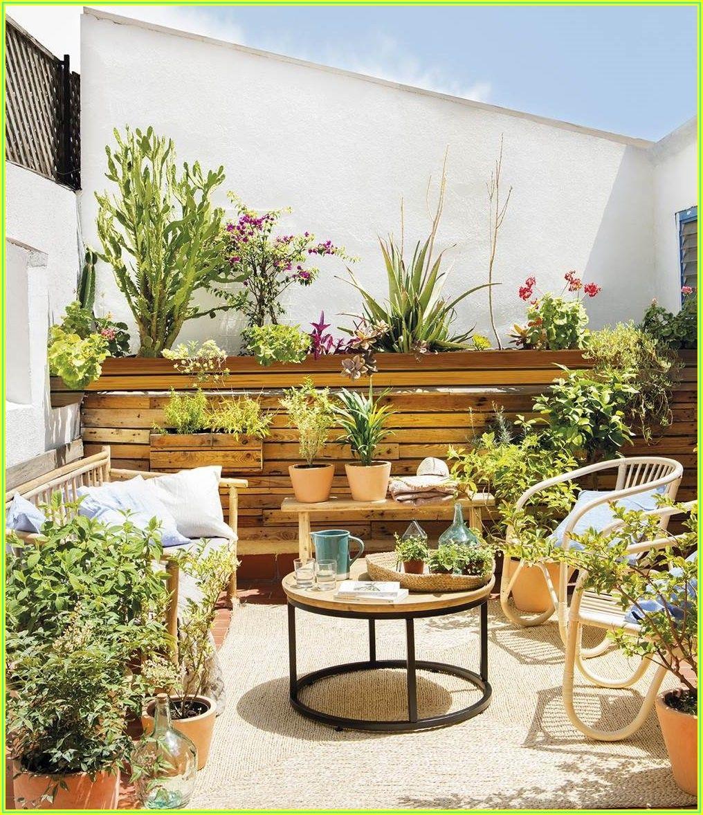 Simple Backyard Patio Decorating Ideas