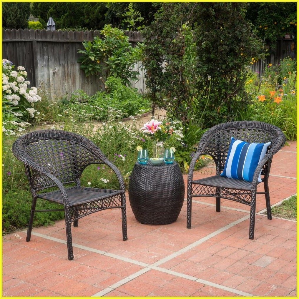 Brown Wicker Patio Set