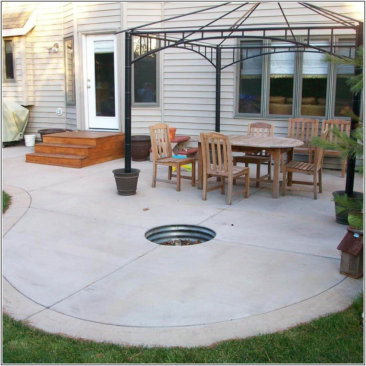 Cement Patio Ideas With Fire Pit