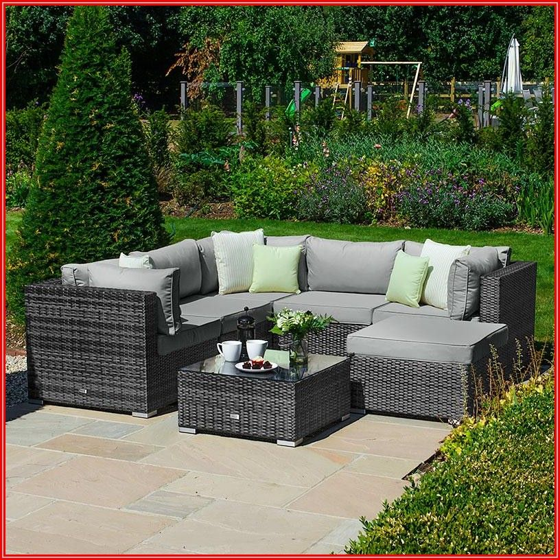 Patio Furniture That Can Get Wet