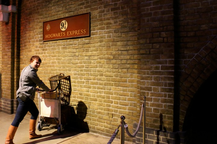 Hogwarts in the Snow, Harry Potter World London 9
