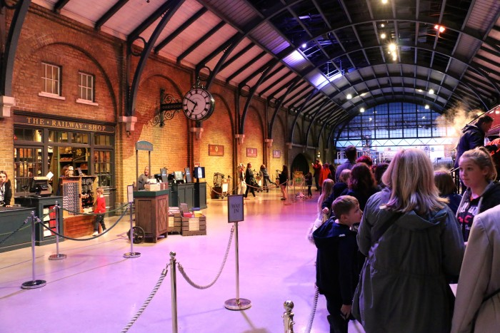 Hogwarts in the Snow, Harry Potter World London 10