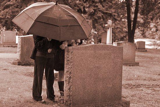 funeral_umbrella