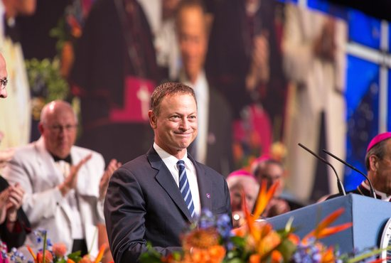 Some 2,000 Knights of Columbus, their families and church leaders were delighted by a surprise encounter with actor Gary Sinise during the fraternal organization's Aug. 5-7 convention in Orlando. CNS photo/Tom Tracy