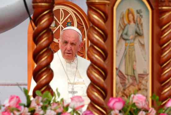 Pope urges end to violence against women