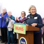 Nuns on the Bus 21-state tour stirs support for 'responsible programs'