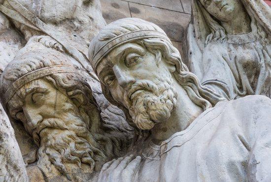 Melchizedek meets Abraham