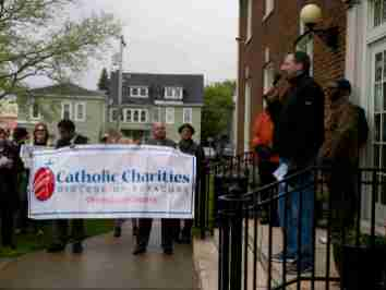 5074386 1 - Interfaith procession shows support for refugees