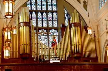 facade and Wojciech - Glory days begin for basilica's mighty Skinner organ