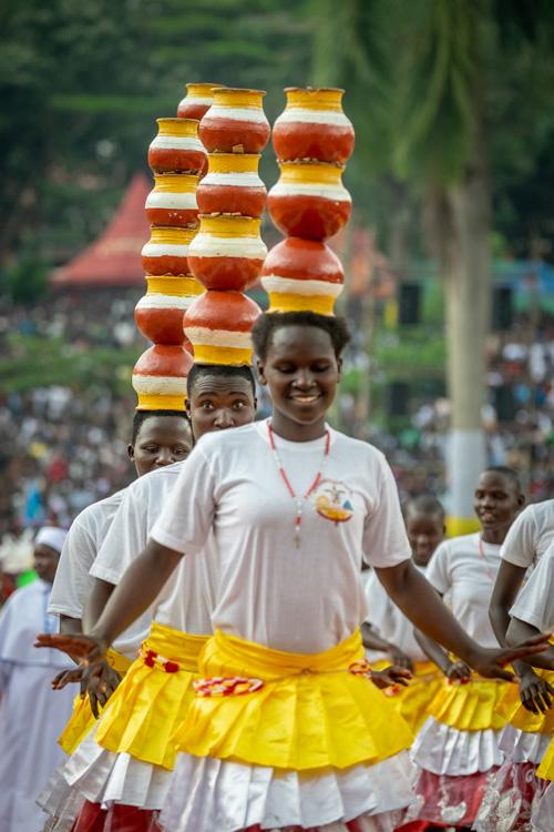 Uganda MartyrDayMass 8042 - Hundreds of thousands travel for days to honor Uganda's martyrs