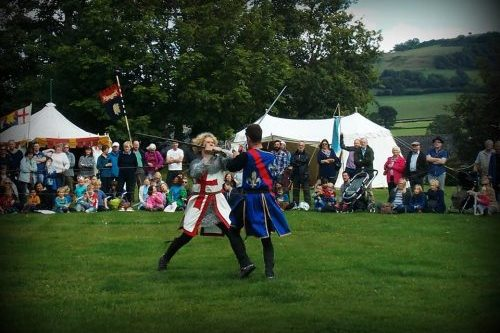 Hay History Weekend and The Battle of Agincourt - Knights Swordfighting English vs French Marc Lovatt Hay Castle Image 2