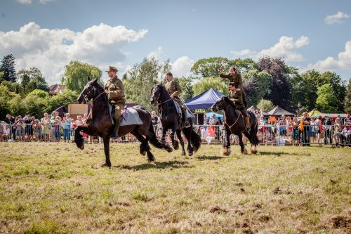 041 The Cavalry of Heroes performing WW1 Trick Riding Horse Show at Kinver Country Fair 2017 Romans, Knights and Highwayman on Horse