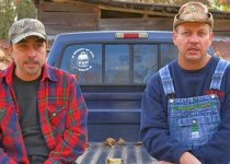 Moonshiners casts Steven Ray Tickle and Tim Smith