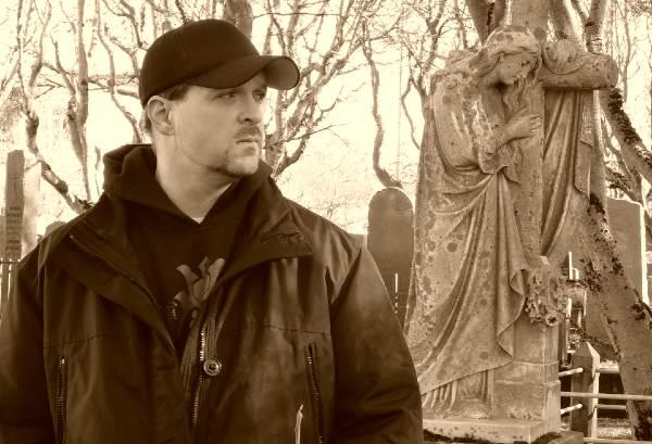 Ghost Hunters International star Rob Demarest