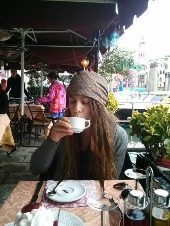 Cappuccino by the canals