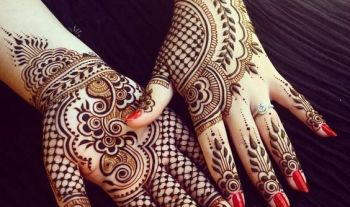 18 Stunning Navratri Inspired Mehndi Designs For Moms