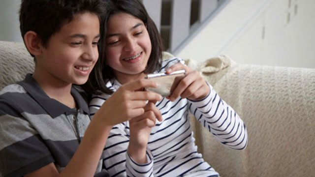 Giving your children a smartphone is like giving them a gram of cocaine – How true is this?
