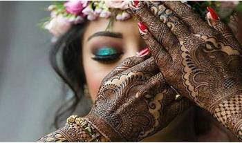 30 Pretty Mehndi Designs For Karwa Chauth