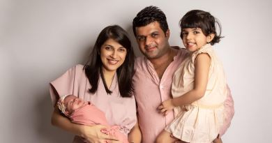Real Mom Disha Thakkar with family