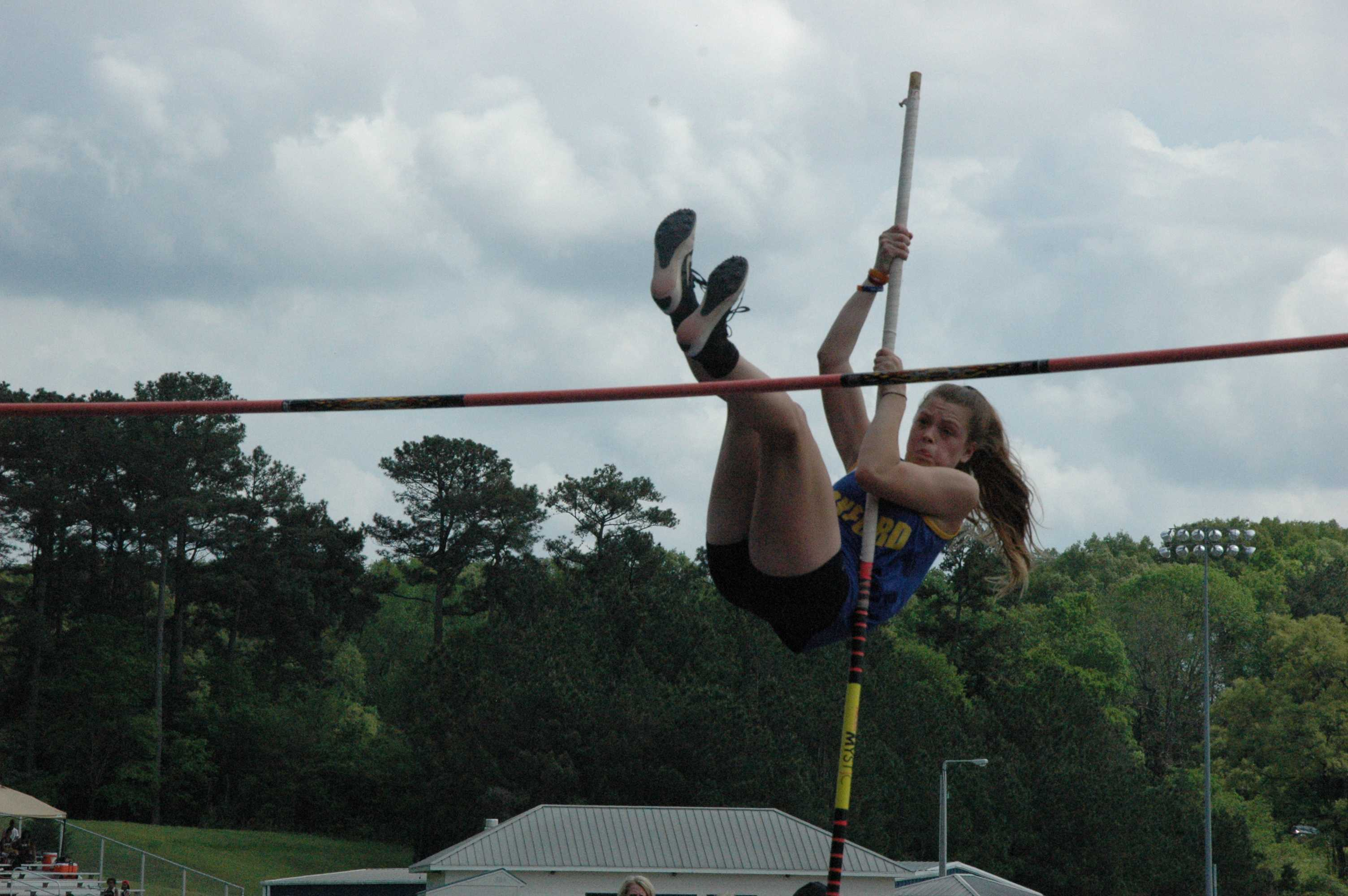 Arden+David+pole+vaults.+Davis+came+in+2nd+for+girls%27+pole+vaulting.