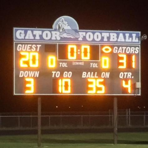 Chargers fall to Gators in season finale