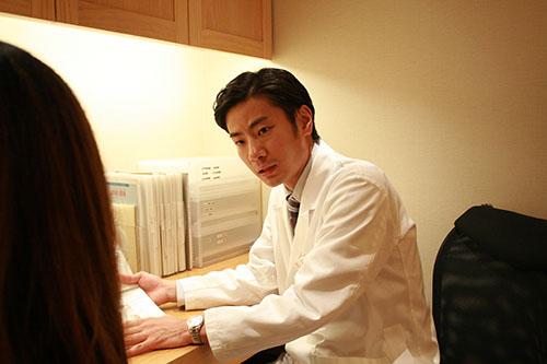 【カルミア美肌クリニック】額脱毛など顔脱毛もできる広島の医療脱毛クリニック