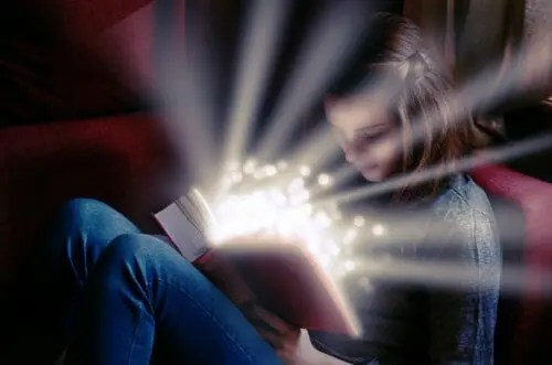 Girl reading and her imagination igniting
