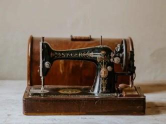 vintage sewing machine, Orhan Pamuk