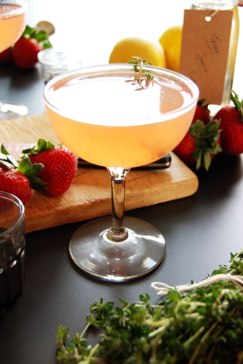 Strawberry Thyme Gin Sour | The Charming Detroiter