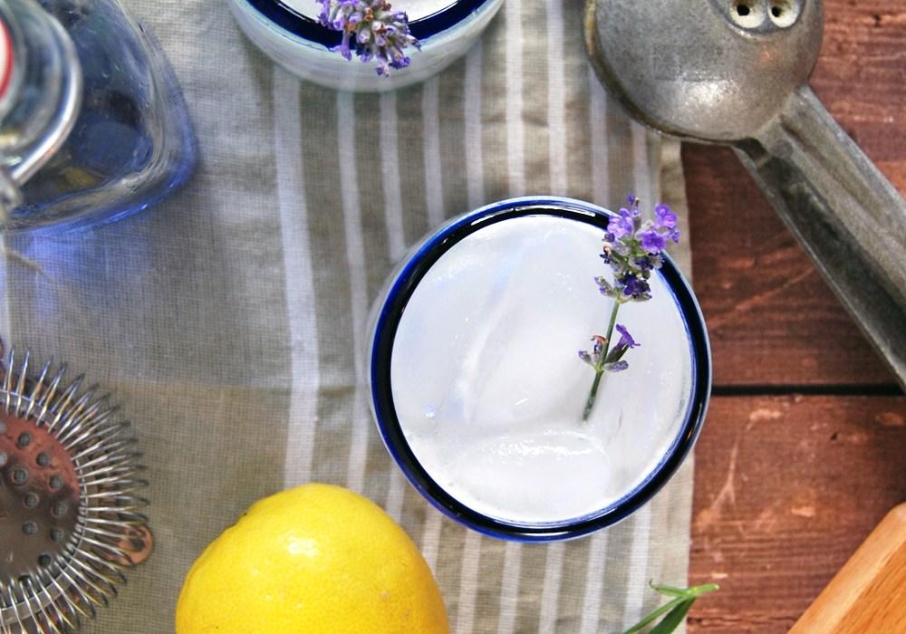 Lemon Lavender Gin Fizz | The Charming Detroiter