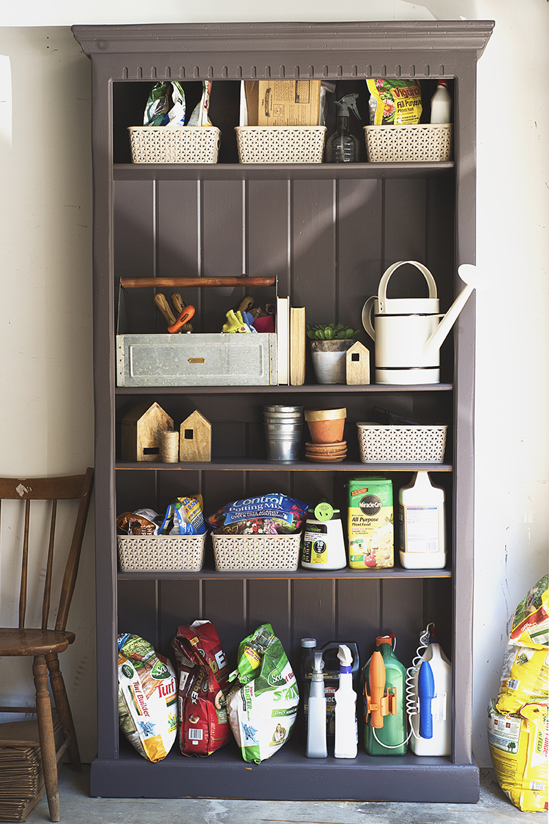 Get your garden supplies in order with my DIY gardening station! Today I'm sharing before and after photos of my latest organization project!