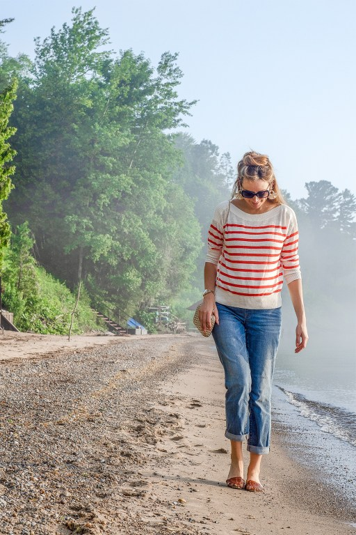 A good lightweight sweater is a must during cooler summer nights, and today I'm sharing a beautiful version of the summer sweater paired with boyfriend jeans for a casual evening look!