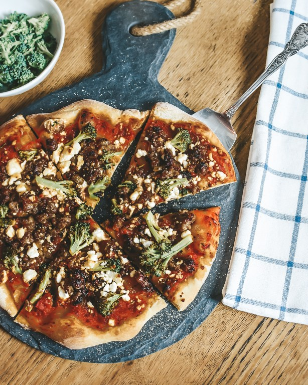 My broccoli sausage pizza has so many delicious vibes you'll want to make it asap! Sausage with broccoli, marinara, and toasted fennel seeds paired with goat cheese - my fav!
