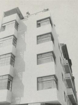 Moisei Ginzburg, Gosstrakh apartment block in Moscow (1926)