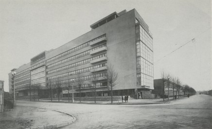 Panteleimon Golosov, Pravda newspaper factory (designed 1920s, built 1930-1935)