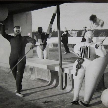 Oskar Schlemmer's Bauhaus costume parties (1924-1926)